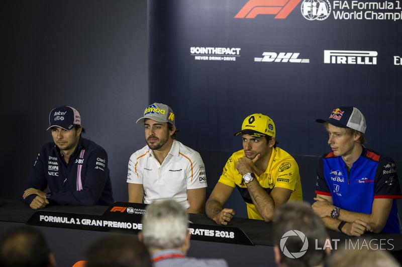 Sergio Perez, Force India, Fernando Alonso, McLaren, Carlos Sainz Jr., Renault Sport F1 Team e Brendon Hartley, Scuderia Toro Rosso nella conferenza stampa
