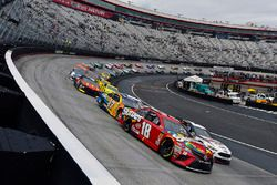 Kyle Busch, Joe Gibbs Racing, Toyota Camry Skittles and Brad Keselowski, Team Penske, Ford Fusion Discount Tire