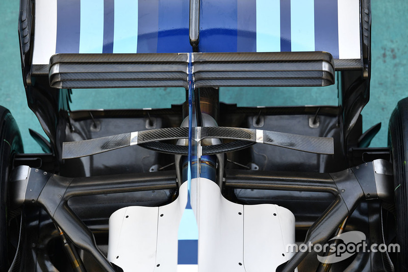 Williams FW40 arka süspansiyon ve arka kanat