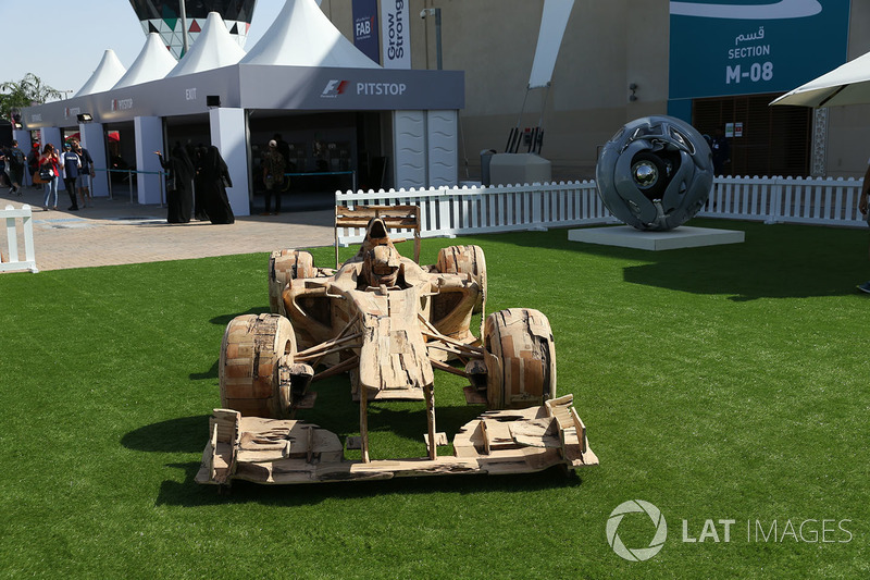 Wooden F1 car sculpture