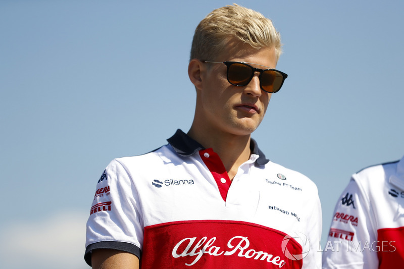 Marcus Ericsson, Sauber, walks the track