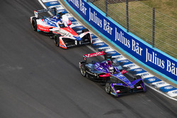 Alex Lynn, DS Virgin Racing, leadsFelix Rosenqvist, Mahindra Racing