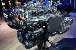Mercedes engine 6-cylinder diesel 9G-Tronic