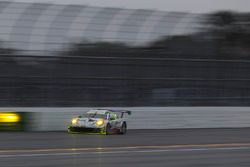 #59 Manthey Racing Porsche 911 GT3 R, GTD: Steve Smith, Harald Proczyk, Sven Muller, Matteo Cairoli,