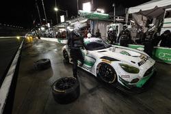 #33 Riley Motorsports Mercedes AMG GT3, GTD: Jeroen Bleekemolen, Ben Keating, Adam Christodoulou, Luca Stolz au stand