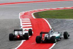 Lewis Hamilton, Mercedes F1 W06 Hybrid; Nico Rosberg, Mercedes F1 W06 Hybrid