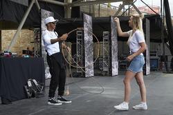 Lewis Hamilton, Mercedes AMG F1 aprende a usar una cuerda