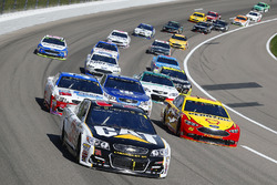 Райан Ньюман, Richard Childress Racing Chevrolet и Джой Логано, Team Penske Ford Fusion
