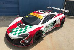 Alvaro Parente and Fraser Ross, YNA Motorsports