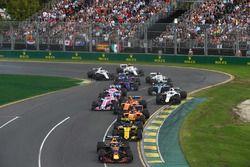 Daniel Ricciardo, Red Bull Racing RB14 au départ
