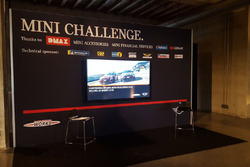 Il palco della presentazione del MINI Challenge