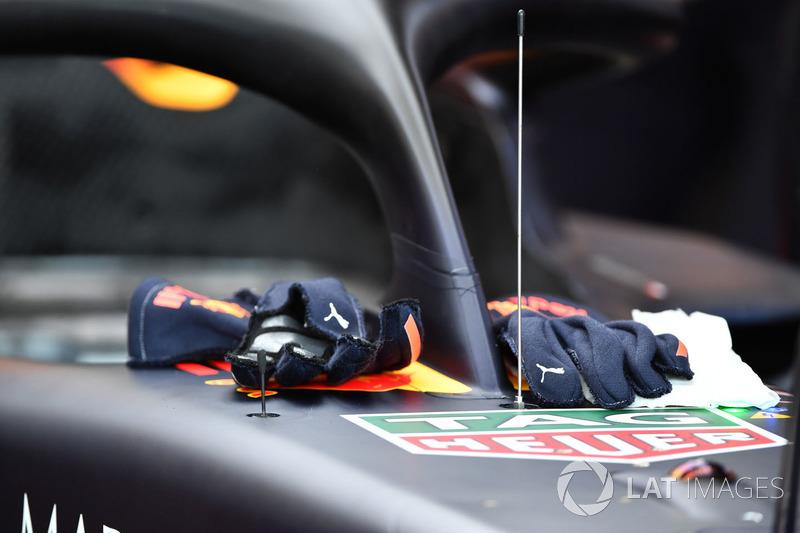 Red Bull Racing RB14 nariz y detalle de halo