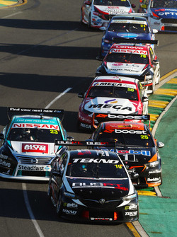 Jack Le Brocq, Tekno Autosports Holden, leads James Courtney, Walkinshaw Andretti United Holden, Michael Caruso, Nissan Motorsport Nissan, Richie Stanaway, Tickford Racing Ford, Simona de Silvestro, Nissan Motorsport Nissan, Tim Blanchard, Brad Jones Racing Holden, and James Golding, Garry Rogers Motorsport Holden