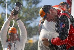#31 Action Express Racing Cadillac DPi, P: Eric Curran, Felipe Nasr, Champagne