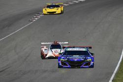 #93 Michael Shank Racing with Curb-Agajanian Acura NSX, GTD: Lawson Aschenbach, Justin Marks, #54 CORE autosport ORECA LMP2, P: Jon Bennett, Colin Braun
