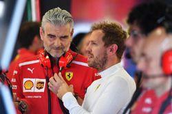 Sebastian Vettel, Ferrari y Maurizio Arrivabene Ferrari Director