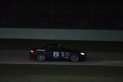#47 MP4A Mazda MX5: Robert Tanon, Meguel Diaz, Pedro Colon, Jorge Nazario of No Es Facil Plus