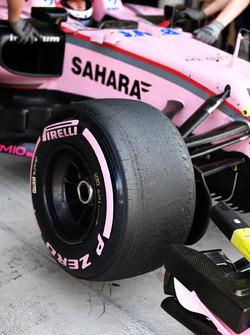 Detalle de neumáticos Pirelli de 2018 Hypersoft de Nikita Mazepin, Sahara Force India VJM10