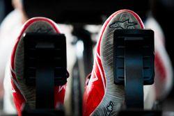 Гоночные ботинки Хосе Марии Лопеса, Dragon Racing