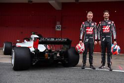 Kevin Magnussen, Haas F1 Team VF-18 and Romain Grosjean, Haas F1 Team VF-18