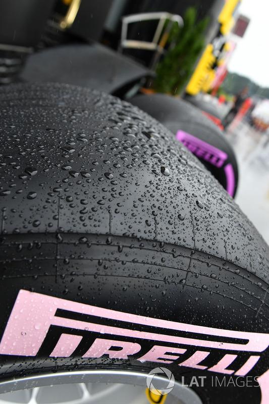 Slick Pirelli tyre and rain