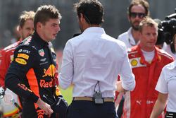 Race winner Max Verstappen, Red Bull Racing talks with Mark Webber, in parc ferme