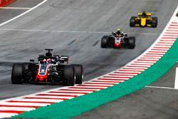 Romain Grosjean, Haas F1 Team VF-18, Kevin Magnussen, Haas F1 Team VF-18, Nico Hulkenberg, Renault Sport F1 Team R.S. 18
