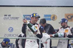 Podium: #912 Manthey Racing Porsche 911 GT3 R: RNick Tandy