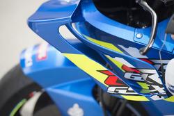 Gros plan sur le carénage du Team Suzuki MotoGP