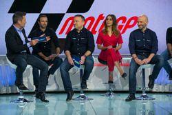 Julio Morales, director de Movistar + F1, y parte de su equipo