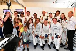 Group photo with F1 Experiences 2-Seater passenger Barbara Palvin,