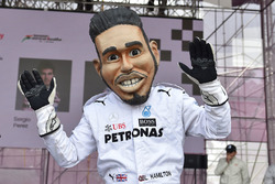 Driver caricature of Lewis Hamilton, Mercedes-AMG F1