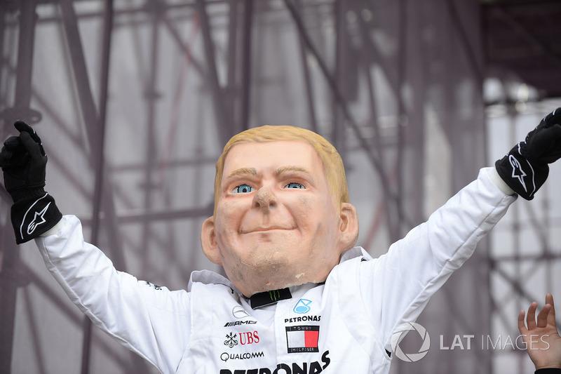 Кукла Валттери Боттаса, Mercedes AMG F1