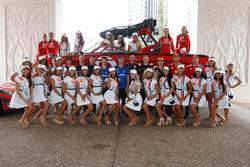 Pilotlar ve Miss Supercars yarışmacıları