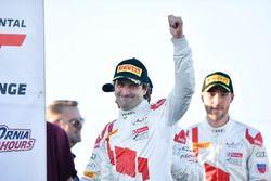 Yarış galibi Kelvin van der Linde, Pierre Kaffer, Markus Winkelhock, Team Magnus