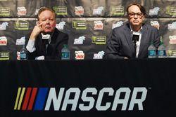 Il CEO e Chairman della NASCAR Brian France, Il Presidente NASCAR Brent Dewar durante una conferenza stampa