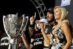 NASCAR Cup-Champion 2017: Martin Truex Jr., Furniture Row Racing Toyota, mit Freundin Sherry Pollex