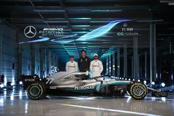 Valtteri Bottas, Mercedes AMG F1, Lewis Hamilton, Mercedes AMG F1, Toto Wolff, director ejecutivo Mercedes AMG F1