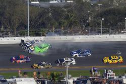 Chase Elliott, Hendrick Motorsports Chevrolet Camaro, Kasey Kahne, Leavine Family Racing Chevrolet Camaro and Danica Patrick, Premium Motorsports Chevrolet Camaro crash