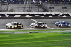 Brendan Gaughan, Beard Motorsports Chevrolet Camaro, David Gilliland, RBR Enterprises Ford Fusion, A