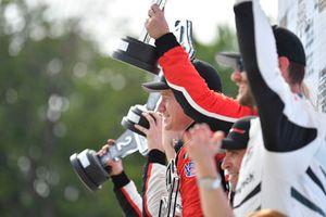 #58 Wright Motorsports Porsche 911 GT3 R, GTD - Patrick Long