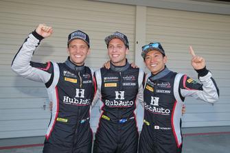 デイビッド・ベイル、ニック・フォスター、吉田広樹(#28 HubAuto Corse)