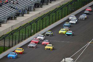 Matt Kenseth, Roush Fenway Racing, Ford Fusion Wyndham Rewards and Joey Logano, Team Penske, Ford Fusion Shell Pennzoil