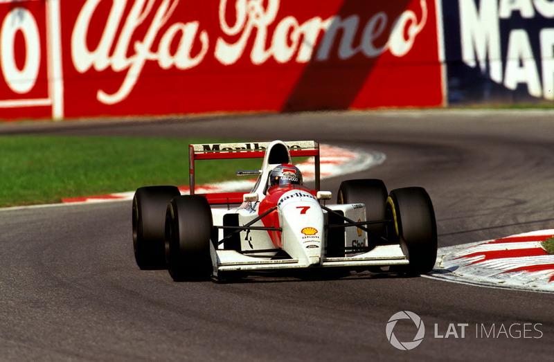 По иронии судьбы, та гонка стала последней для американца в Ф1. Команда была недовольна его скоростью и подходом к работе – и расторгла контракт досрочно. Андретти вернулся в IndyCar с призовым кубком из Монцы, а его место занял Мика Хаккинен.
