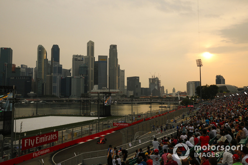 Fans y Sebastian Vettel, Ferrari SF71H