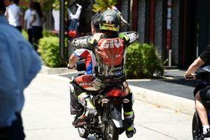 Cal Crutchlow, LCR Honda Castrol, après sa chute