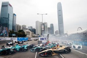 Jean-Eric Vergne, DS TECHEETAH, DS E-Tense FE19 battles with Mitch Evans, Panasonic Jaguar Racing, Jaguar I-Type 3, Daniel Abt, Audi Sport ABT Schaeffler, Audi e-tron FE05 around he hairpin