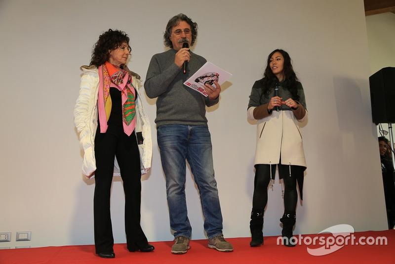 Rossella Simoncelli, Paolo Simoncelli e Kate Fretti all'inaugurazione di Casa Marco Simoncelli
