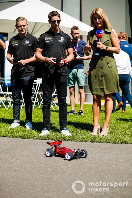 Romain Grosjean, Haas F1 Team and Kevin Magnussen, Haas F1 Team and Rachel Brookes, Sky Tv