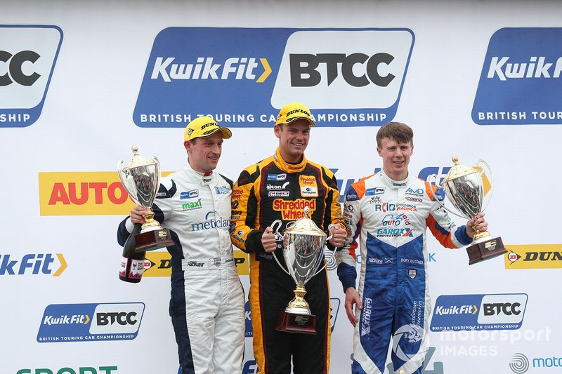 Podium race 3: race winner Tom Chilton, Motorbase Performance Ford Focus, second place Rory Butcher, AmD Tuning Honda Civic, third place Stephen Jelley, Team Parker Racing BMW